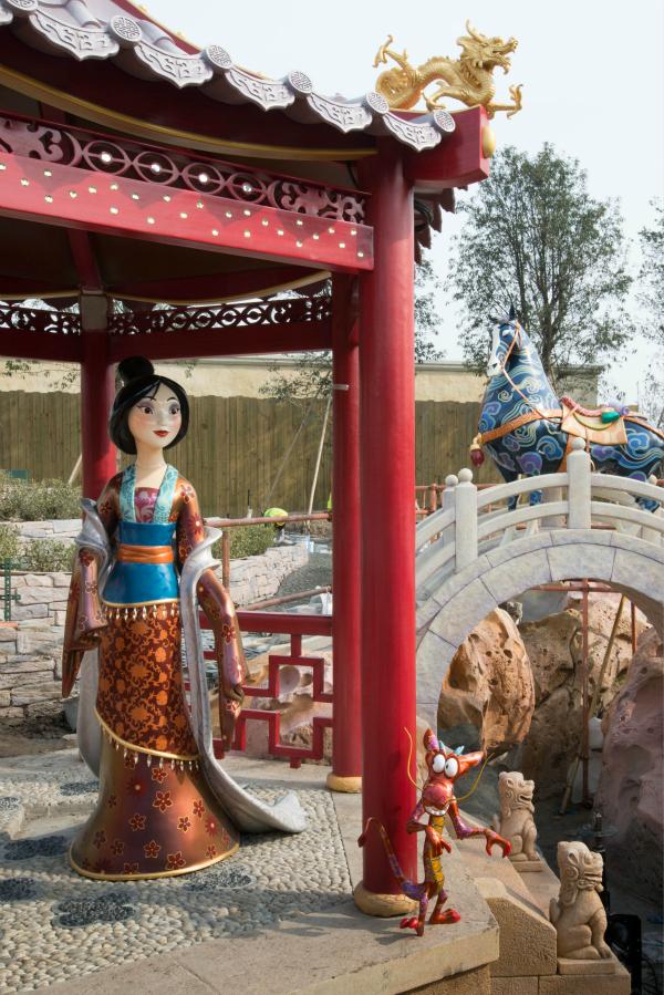 5點「千萬別去上海迪士尼」的原因。看到第3張就開始覺得有點怪怪的了...