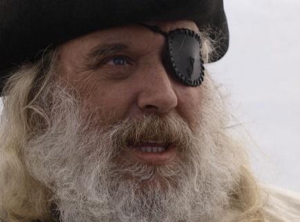 為何「海盜眼睛沒受傷但總是一隻眼睛戴著眼罩」?晚上上廁所超好用