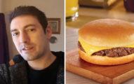 這名帥哥去麥當勞點了份「吉士漢堡」,結果店員做出來的過分原味漢堡讓他差點忍不住去撞牆自盡。