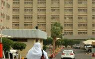 沙烏地阿拉伯男性開槍射幫老婆接生的醫生,大家一聽到他的「過激殺人理由」都說太同情醫生跟老婆!