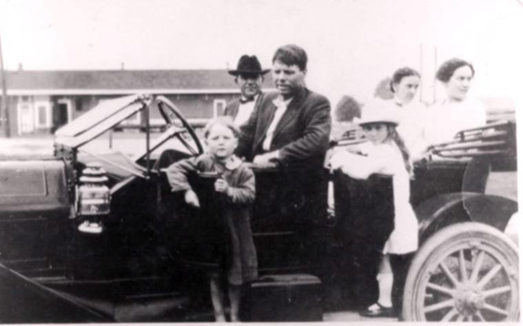 100年前這名失蹤8個月的4歲小男孩奇蹟似回到家人身邊,但100年後「DNA鑑定結果」發現驚人真相。