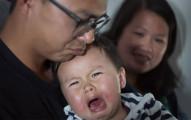 這班飛機上的乘客原本都因為機上太多小孩而不爽,沒想到最後只要小孩一哭「全機乘客都會爆開心鼓掌」!