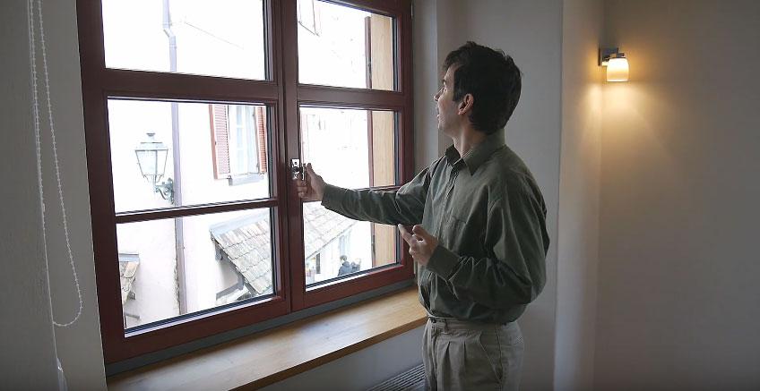 看過歐洲人都使用的「原來可以這麼棒」窗戶後,我才發現我們其他人全都是石器時代的原始人!