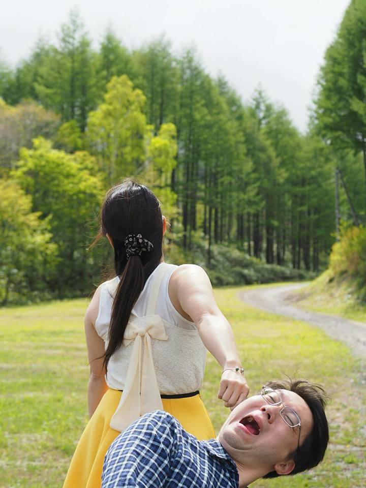 台灣名醫拍攝「惡搞版牽手夫婦」爆紅 女主角「真面目」讓全網被正翻!