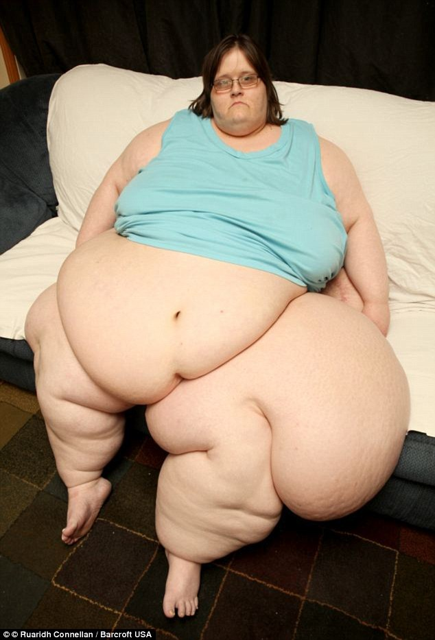 33DCC23100000578-3574707-Help_Charity_Pierce_weighs_765lb_and_has_a_condition_that_caused-a-31_1462442089229
