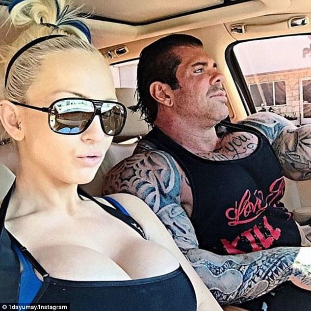 這名45歲「全世界最猛肌肉野獸」已經連續使用了27年的類固醇,看到他繃緊肌肉的模樣讓我擔心他的身體要爆炸了...