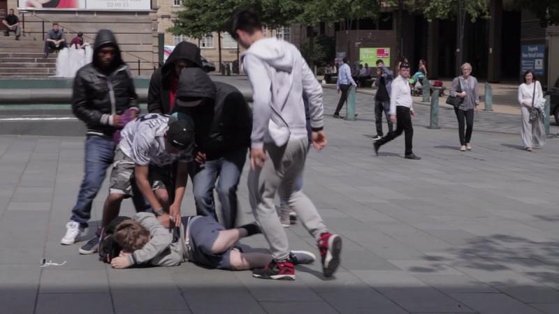 現在國外為了解決嚴重校園霸凌問題,決定「重罰管教無方的怪獸爸媽」!