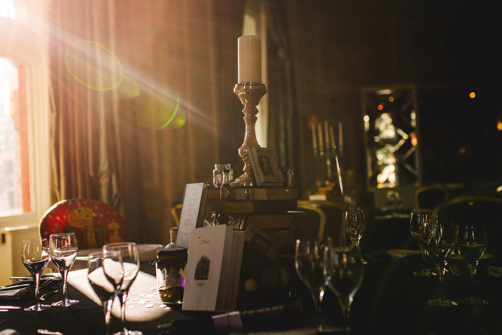 這對《哈利波特》狂熱粉絲情侶舉辦了主題婚禮,看到婚禮上送給賓客的手工魔幻禮物我已經嫉妒爆了!