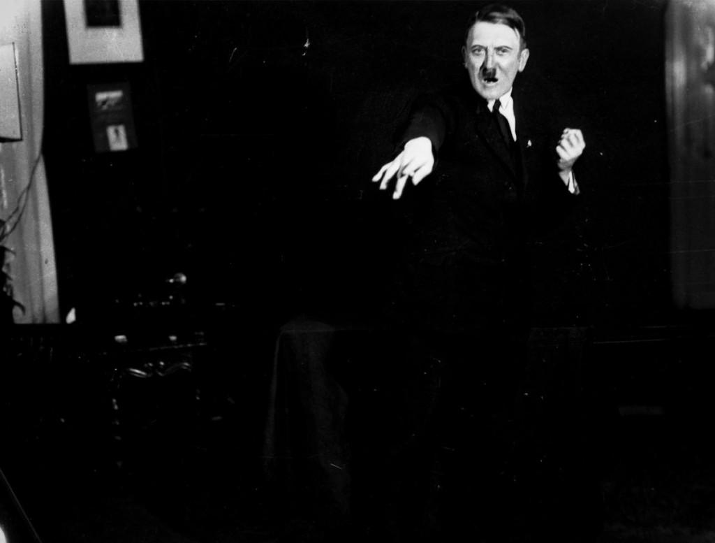 Hitler_Heinrich_Hoffmann4