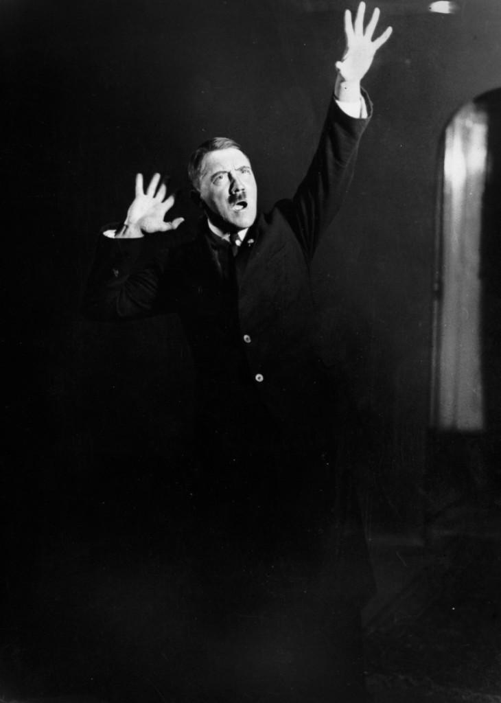 Hitler_Heinrich_Hoffmann7