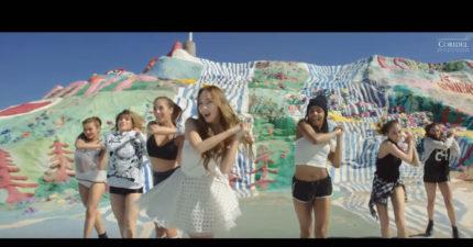 前少女時代團員Jessica單飛後的首發MV,讓我發現她單飛後可能還比較好呢!