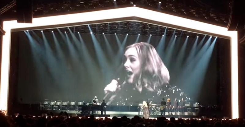 當歌手愛黛兒在演唱會上忘詞時,她的「狂暴完美」反應好笑到會不小心讓她增加好幾萬粉絲!