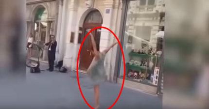 他大聲在街上對著女兒喊,當女兒終於聽話時,最美妙的事情就發生了!