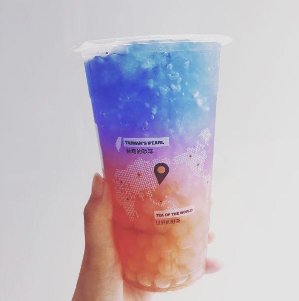 今年夏天爆夯的「夢幻星空飲料」已經攻占台灣,超犯規的「蝶豆花」光是用看的就覺得賺了1000塊!