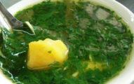 這一碗「綠綠濃稠黏湯」只有台中人才敢喝!但看到它比剉冰還神奇的效果你也會想要試試!