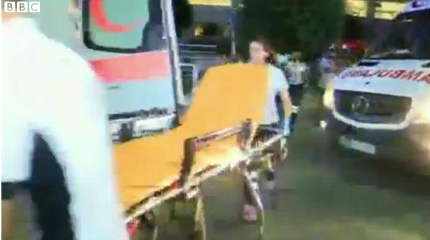 國際焦點新聞:土耳其國際機場爆發恐怖攻擊「造成至少50人死亡」,炸彈爆炸的影片真的太恐怖了...