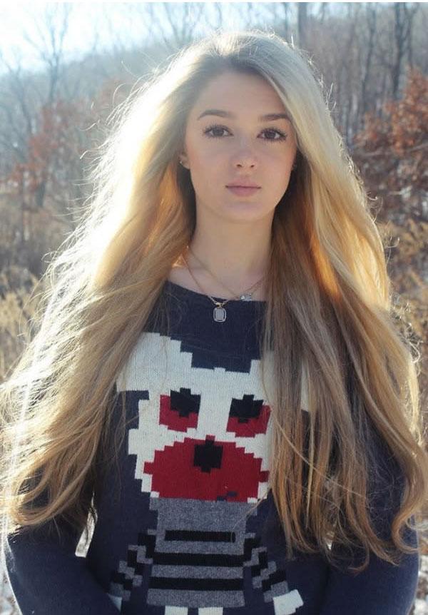 她就是「俄國最正女模排球選手」也是超模特兒冠軍,看到穿芭蕾舞緊身衣的照片腿美到我鼻血都止不住了!