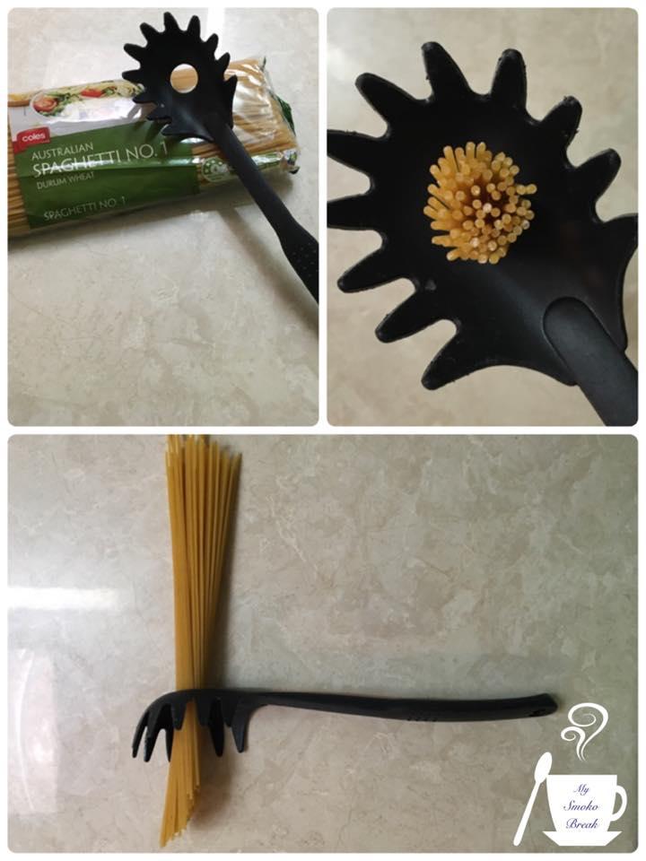 這就是為什麼「義大利麵專用勺」中間有個圓形的孔。我們這麼多年來都浪費了太多麵條了!