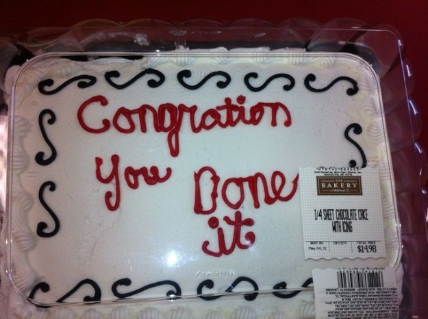 23個「存心想毀掉你的慶祝心情」的騙錢蛋糕裝飾 畫成像屎的貓...食慾沒了