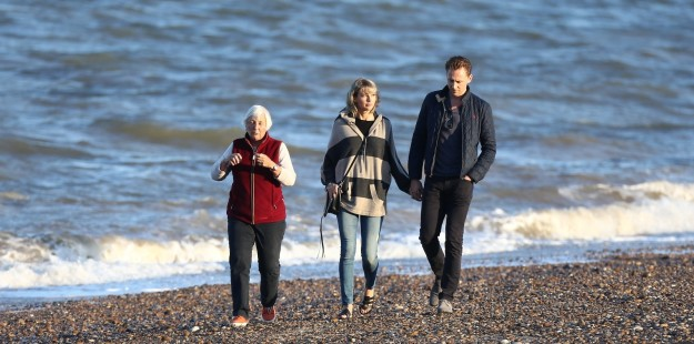 In fact, Taylor seemed to go down a storm, with the trio meeting up the next day for a walk along the beach.