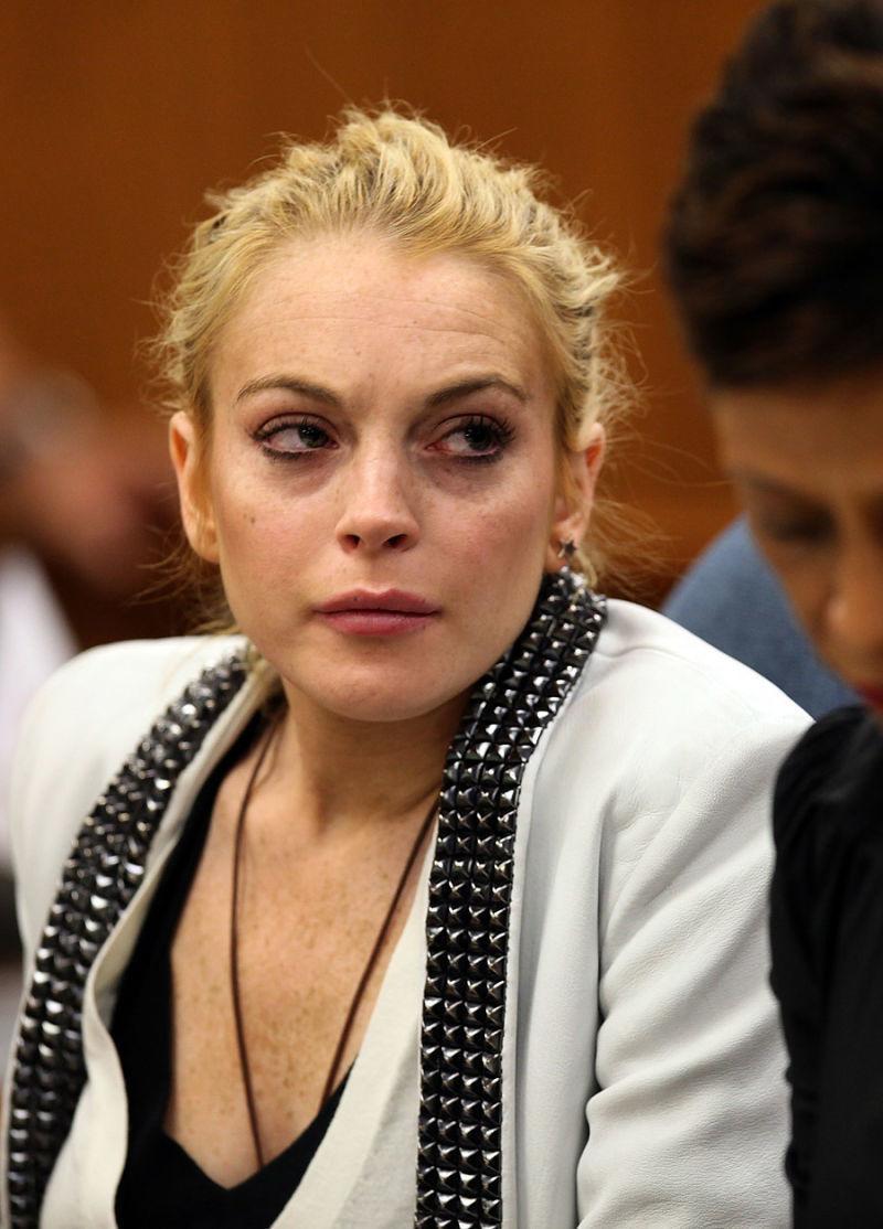 琳賽蘿涵回來了!過去她吸毒酗酒偷竊臉部都徹底崩壞,但她現在回復到顛峰美貌讓我能再次喜歡她了~