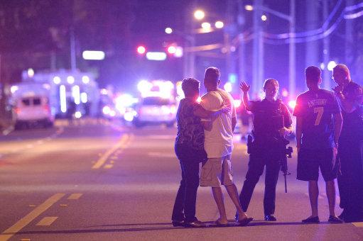 美國史上最慘烈槍擊案,媽媽收到兒子的心碎簡訊「媽我愛你,他們正在掃射...」,接著最後一句讓我心碎了。