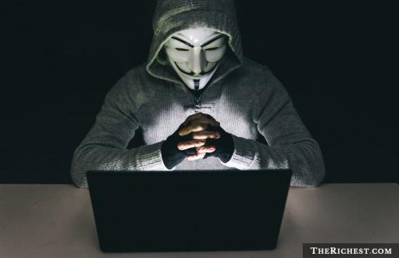 朋友死後竟然還發E Mail來叫你打掃閣樓!10個會人嚇到翻的知名「網路謎團」。