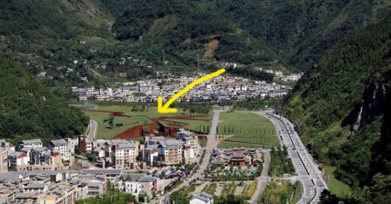 中國汶川地區出現了這地震災難痕跡,但走到正旁邊看才發現原來這麼美,這麼有意義!