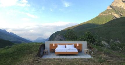 瑞士這間飯店房間「100%與大自然零距離的設計」讓你可以完全擁有阿爾卑斯山,但男管家模樣讓我忍不住笑了!