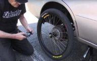 他把汽車輪胎改成腳踏車輪胎想知道有沒有辦法行駛,當發動開始前進時...!