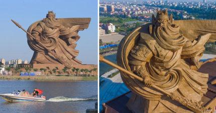 中國終於完成了這作19層樓高的巨型關羽像,走進雕像裡面一看居然又是另一個世界!