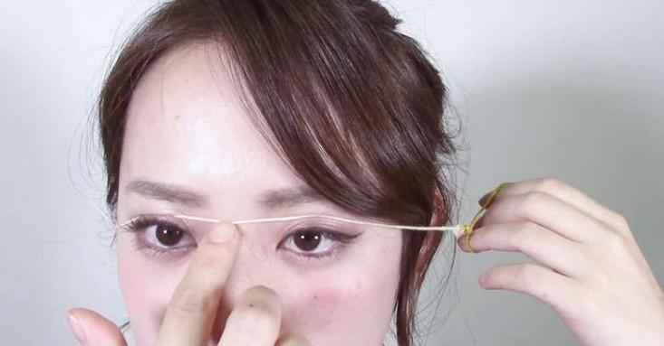 這個女生「把一條細線綁在眼皮上」,15分鐘後當她拿下細線時很多整形醫師業績都要慘跌了...