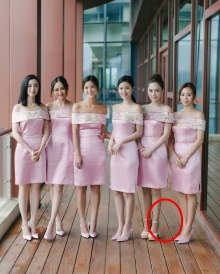陳妍希婚禮伴娘團被讚「史上最美」,但有眼尖網友眉頭一皺就說「根本就P圖P爆了」!看看地板...!