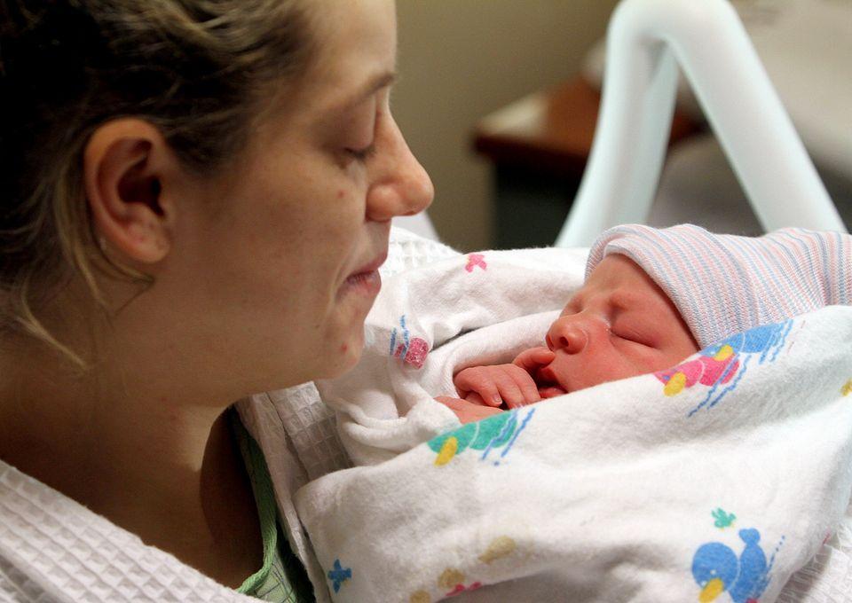 「自然產vs剖腹產」到底何者比較好?很多人覺得兩個差不多但婦產科醫生終於說出重要真相了!