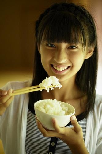 原來我們一直都用錯誤的方式煮飯...想煮出像日本白飯關鍵就在「洗米的方式」!