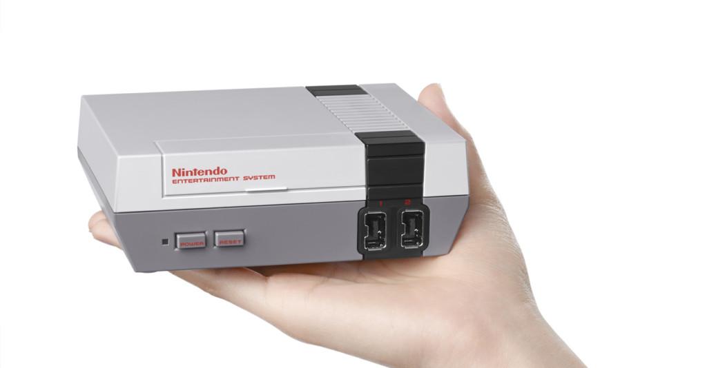 任天堂宣布在年底會推出這款新的「迷你紅白機」,內建30個經典遊戲就是你今天最需要的時光機!
