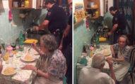 寂寞老夫妻家中傳來哭泣聲,警察「闖進去」幫他們做了一道最感人的「大餐」!