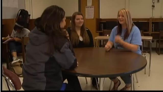 老師對抗霸凌「每天都穿同一件衣服到學校」,她:「直到霸凌行為消失!」