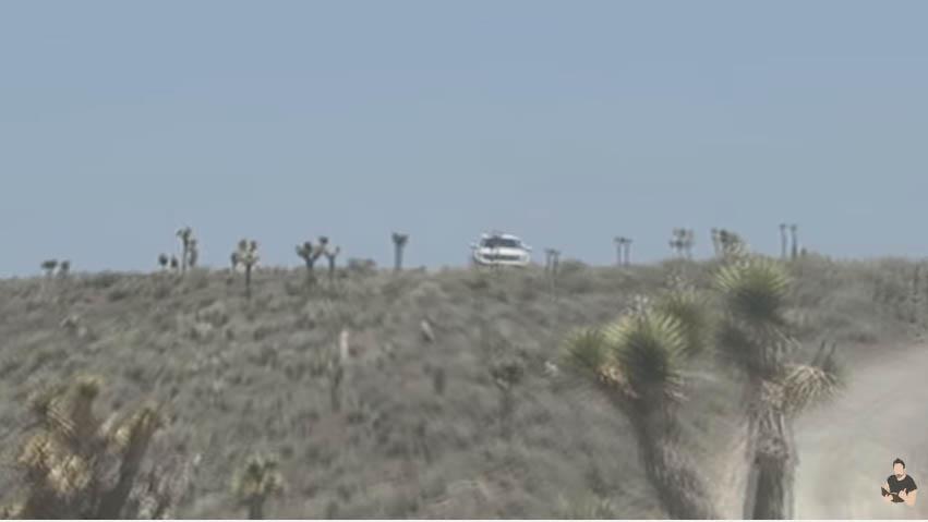美國玩家「勇闖軍事重地51區」只為抓超夢,一開始覺得還好但「神祕白車」出現時才發現事情大條了...