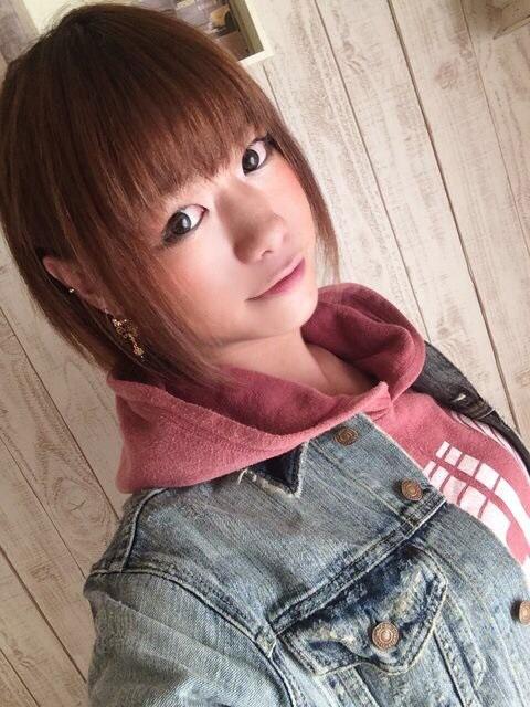 日本人氣美少女下海拍色色片就趕緊找來看,但她居然就直接勃起了...