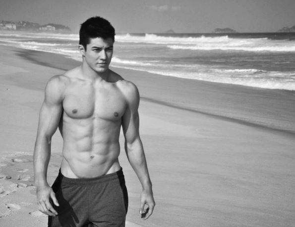 「奧運最帥男神」巴西混血體操員光是上半身就讓網友腿軟,「視訊神雕裸照」曝光後粉絲立刻衝破百萬了!