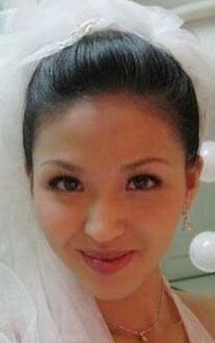 林心如婚禮揭秘「同父異母妹妹」爆美模樣,網友一看就被正到揉眼睛說「這不是安以軒嗎」?
