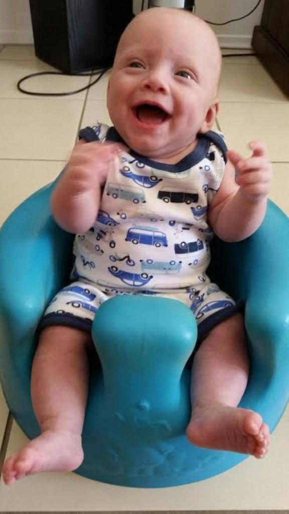 醫生發現寶寶「腸子都掉出來」時建議她墮胎被她怒拒,8個月後才證明她的選擇是對的