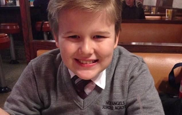 13歲男孩遭同學霸凌斷指上吊自殺,但看完血淚遺書才發現老師跟校長是「親手送上繩子的兇手」!
