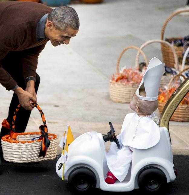 37張照片讓你看到「歐巴馬總統最不敢讓別國領袖看到的命門弱點」!#7跟迷你蜘蛛人對戰真的萌翻了!