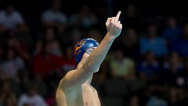 超狂加拿大泳將在賽前總會「對父親比中指」,超棒秘訣你下次也一定會這麼做!