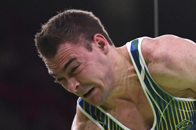 19張「奧運體操選手被捕捉到『屎』勁瞬間」的爆笑臉部猙獰照,#8連白眼都跑出來了!