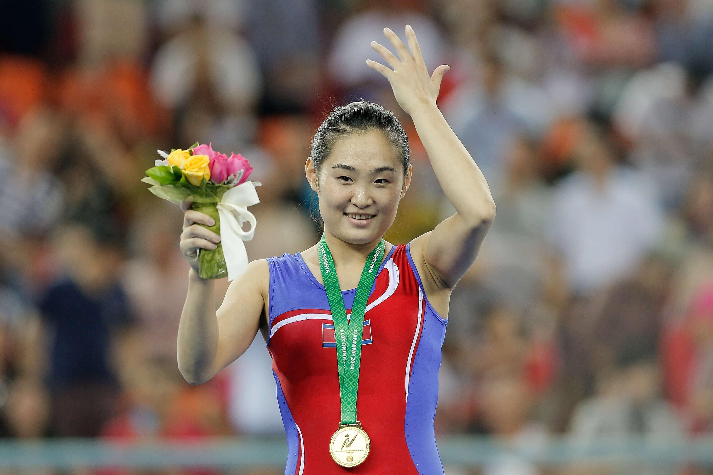 南北韓選手奧運場上微笑自拍和解,現在北韓專家表示這就是「北韓選手回國後」會發生的事...