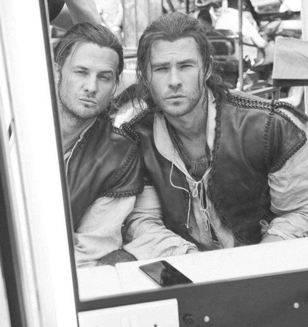 Chris Hemsworth And His Stunt Double Bobby Holland Hanton On The Set Of The Huntsman: Winter's War