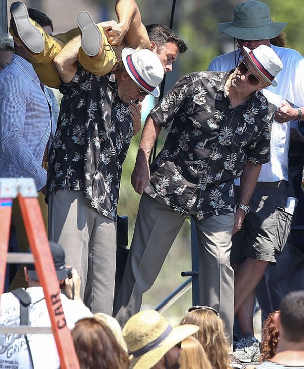Robert De Niro With His Stuntman On The Set Of Dirty Grandpa